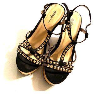 Charming Charlie Cork Wedge Black Gold Studded 8.5